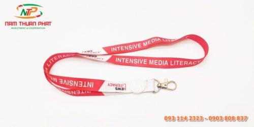Dây đeo thẻ mẫu News Literacy 3