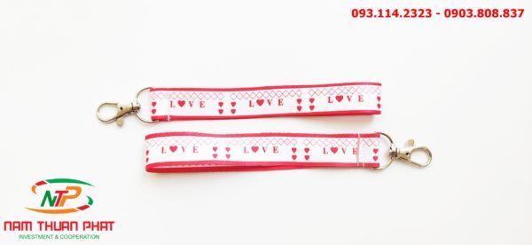 Dây đeo móc khóa Love 2