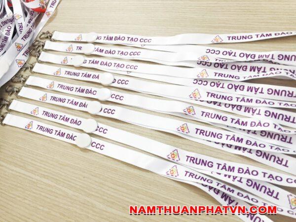 Dây đeo thẻ satin Trung tâm đào tạo CCC 3